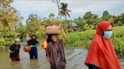 Tiga Hari Banjir Belum Surut, Warga Desa Wara Luwu Utara Mengungsi ke Palopo
