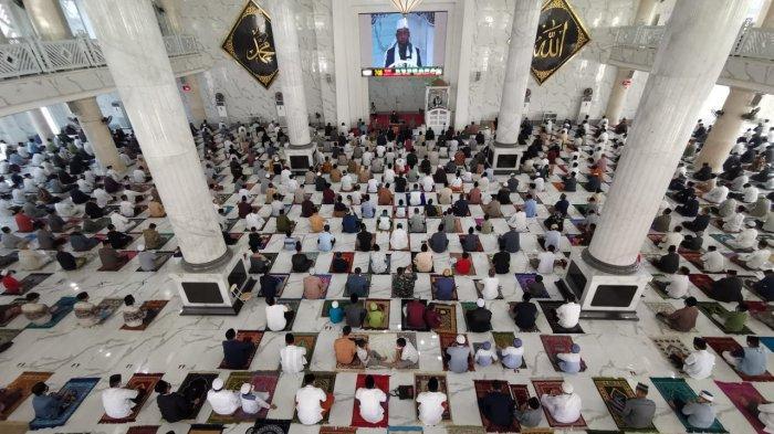 FOTO; Suasana Pelaksanaan Shalat Iduladha di Masjid Agung Syekh Yusuf Gowa - warga-kabupaten-gowa-menggelar-shalat-iduladha-di-masjid-agung-syekh-yusuf-gowa-3.jpg