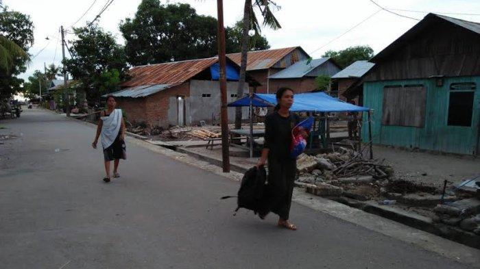 FOTO: Kepanikan Warga Majene Sulbar Saat Gempa 5,2 SR Rabu Sore