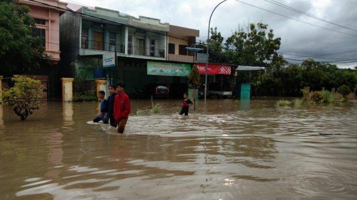 BREAKING NEWS: Banjir di Kota Sinjai, Halaman Rujab Bupati Ikut Tergenang