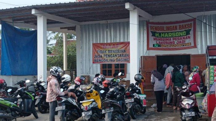 Pasca Iduladha, Penggilingan Daging di Pinrang Diserbu Warga