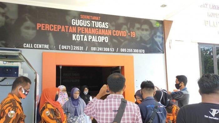 Warga Palopo Ramai-ramai Kunjungi Sekretariat Covid-19, Kembalikan Bantuan Makanan Berjamur