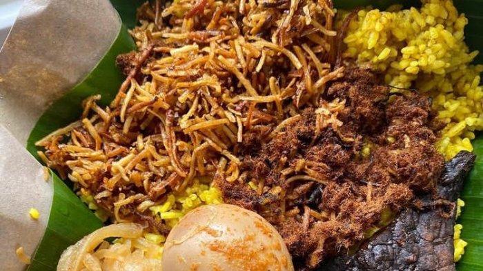 Nasi Kuning Riburane, Nasi Kuning Primadona Makassar, Pengunjung Harus Rela Antre