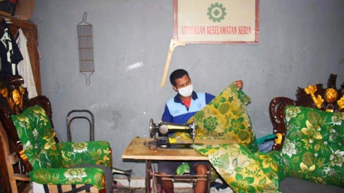 WBP Lapas Parepare membuat kerajinan furnitur.
