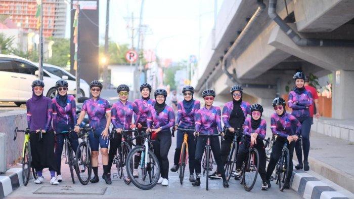 Rayakan Ulang Tahun Pertama, WCC Makassar Bersepeda Keliling Kota