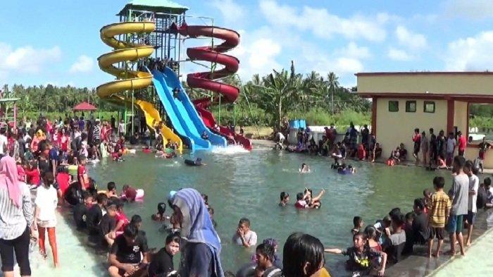 Permandian Waterboom Sulili di Kecamatan Paleteang, Kabupaten Pinrang, ramai pengunjung. Foto ini diabadikan jauh sebelum pandemi Covid-19, tepatnya pada tahun 2017 lalu.