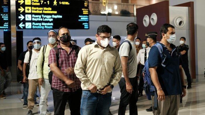 Keberadaan Warga India Lolos Karantina Masuk Indonesia Masih Misterius, Calo Disogok Segini