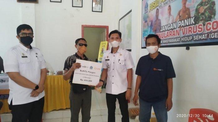 YCP Salurkan Bantuan Pangan di Kabupaten Bone