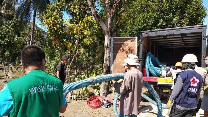 Yayasan Hadji Kalla Salurkan Bantuan ke Korban Banjir Masamba Luwu Utara