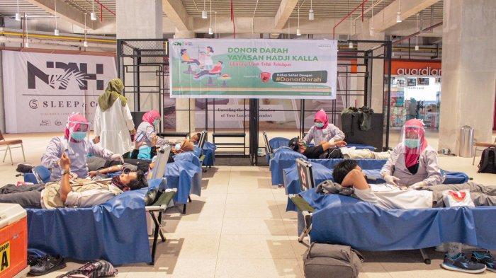 FOTO: Yayasan Hadji Kalla Gelar Donor Darah di Nipah Mall, Target 100 Kantong - yayasan-hadji-kalla-menggelar-donor-darah-di-nipah-mall-senin-3182020-3.jpg