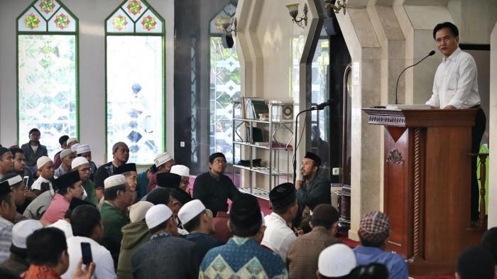 Bahas Dugaan Penistaan Agama, Forum Umat Islam Ajak Diskusi Bareng Yusril di Makassar - yusril_20161111_222456.jpg
