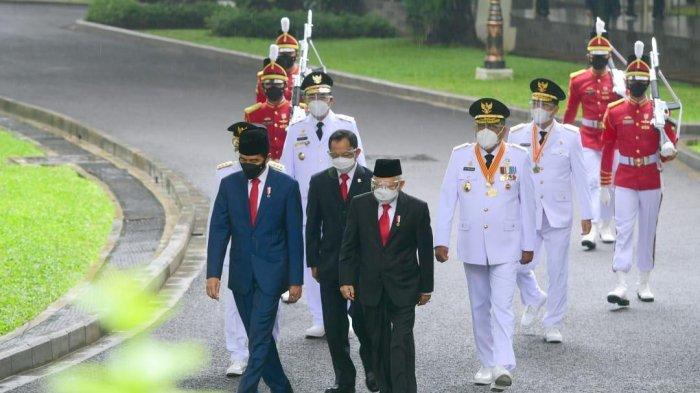 Presiden Jokowi Lantik Jenderal asal Bugis Sinjai Zainal Arifin Paliwang Jadi Gubernur Kaltara