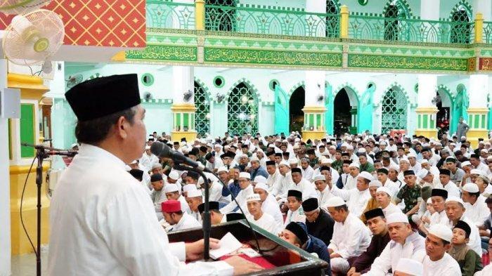 Sambut Tahun Baru 2020, Dollah Mando dan Warga Sidrap Zikir Bersama di Masjid Agung