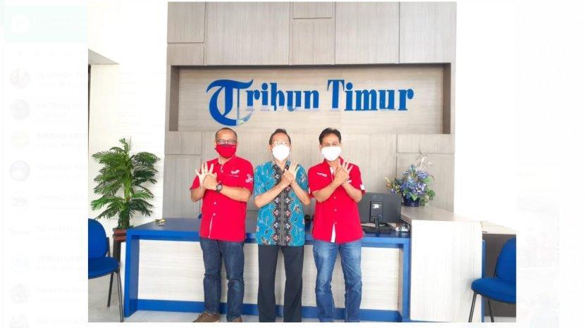 sekretariat-retail-makassar-pt-telkom-hadrawi-wakil-pimpinan-tribun-timur.jpg