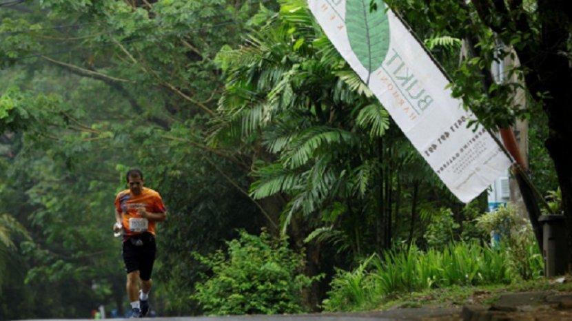 seorang-warga-seorang-warga-bukit-baruga-sedang-berolahraga-sedang-berolahraga.jpg