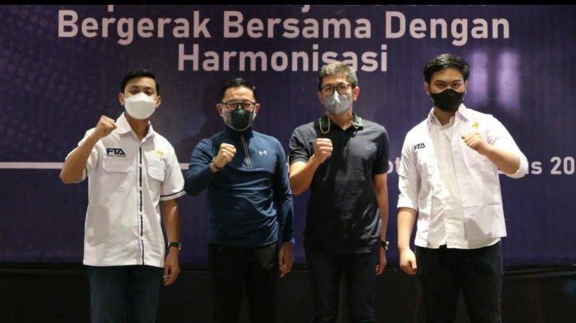 tiga-kandidat-ketua-bpc-hipmi-kota-makassar-berfoto-bersama-ketua-bpd-hipmi-sulsel-2.jpg