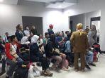23-pelajar-sulawesi-barat-tiba-di-bandara-tampa-padang.jpg