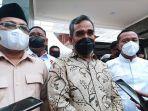 ahmad-muzani-tengah-didampingi-sekretaris-partai-gerindra-sulawesi-selatan-darmawangsyah-muin.jpg