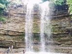 air-terjung-saressang-taure-di-desa-arajang-kecamatan-gilireng-kabupaten-wajo.jpg