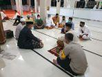 akbp-andi-sinjaya-melaksanakan-syiar-ramadhan-di-masjid-miftahul-khair-bamba.jpg