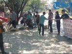aksi-demonstrasi-berlangsung-didepan-kantor-pupr-kabupaten-jeneponto-43.jpg