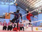 aksi-pemain-sepak-takraw-sulawesi-selatan-biru-saat-partai-final-quadrant-putri-pon-xx-papua.jpg