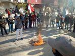 aksi-unjuk-rasa-pemuda-dan-mahasiswa-kabupaten-mamasa-menolak-rencana-tambang.jpg