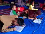 anak-anak-di-posko-pengungsian-korban-banjir-di-kelurahan-watallipue-kecanatan-tempe.jpg