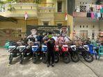 anggota-dprd-makassar-rachmat-taqwa-quraisy-menyerahkan-motor-operasional-kepada-delapan-pac.jpg