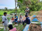 anggota-dprd-sulsel-muhtar-mappatoba-bersama-masyarakat-mengunjungi-lokasi-tambang.jpg