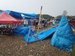 angin-kencang-porandakan-sejumlah-tenda-di-pasar-malam-belopa.jpg