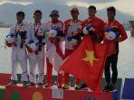 anwar-tarra-berfoto-di-podium-usai-meraih-medali-emas-sea-games.jpg