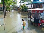 banjir-wajo-tiga-pekan.jpg