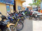 barang-bukti-20-sepeda-motor-mapolres-tana-toraja-makale-jumat-13112020.jpg