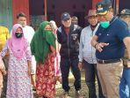 basmin-mattayang-diskusi-dengan-warga-korban-banjir-di-desa-buntu-kunyi-kecamatan-suli.jpg