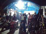 beberapa-warga-kabupaten-kepulauan-selayar-di-pelabuhan-bira-kecamatan-bontobahari.jpg