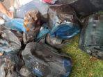bekas-jerigen-yang-terbakar-di-dalam-mobil-baharuddin-alias-odding-55.jpg