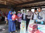 bpbd-pinrang-menyalurkan-bantuan-kepada-korban-kebakaran-di-desa-pakeng.jpg