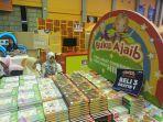 buku-ajaib-beli-3-gratis-1-di-bazar-buku-big-bad-wolf-makassar4.jpg