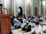 bupati-luwu-basmin-mattayang-kiri-ceramah-di-masjid-agung-luwu.jpg