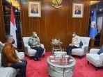 bupati-pinrang-andi-irwan-hamid-bertemu-gubernur-sulawesi-selatan-nurdin-abdullah-52201.jpg