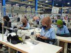 buruh-pabrik-kerja-15-hari.jpg
