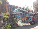 bus-bintang-prima-menghantam-tembok_20180719_143904.jpg
