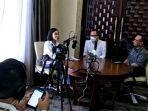 calon-direktur-politeknik-politani-pangkep-dr-h-mauli-kasmi-msi-di-podcast-jubir-presiden.jpg