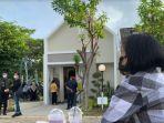 calon-konsumen-menikmati-sajian-saat-open-house-artemisia-residence-792021.jpg