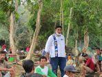 chaidir-syam-saat-menemui-warga-di-kecamatan-tanralili-kabupaten-maros.jpg
