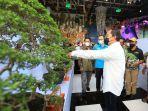danny-pomanto-hadir-dalam-pameran-dan-kontes-bonsai-nasional.jpg