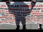 demo-tolak-omnibus-law-1-6102020.jpg