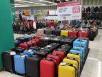 deretan-koper-yang-ditawarkan-di-lotte-mart-panakkukang-makassar-21112020.jpg