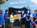 dinas-sosial-pemkab-toraja-utara-serahkan-bantuan-kepada-korban-kebakaran-di-lorong-pkk.jpg